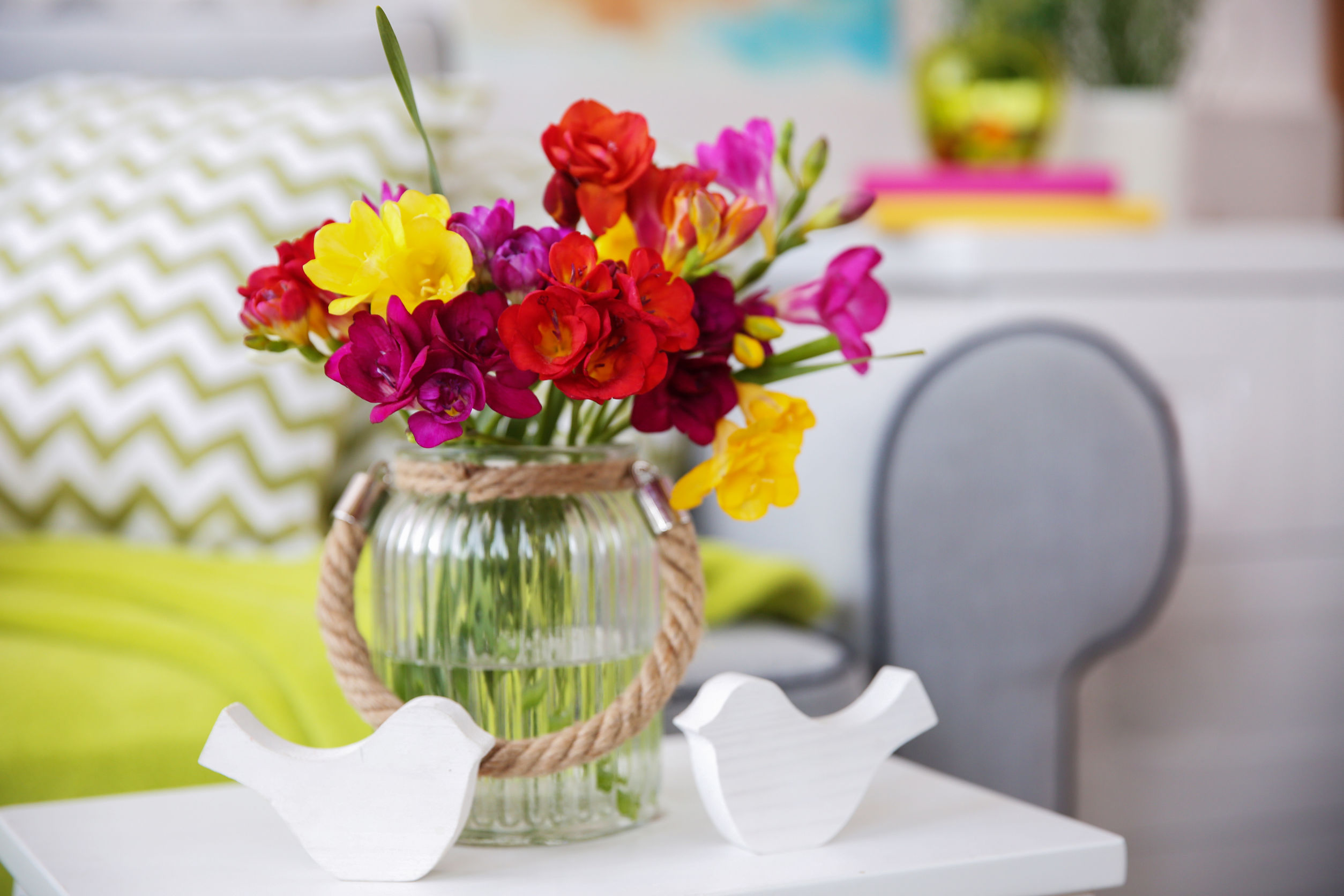 Decorate Your Condo With Beautiful Flowers Inspired By Women