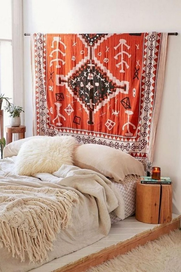 10-Admirable-Boho-Bedroom-Decorating-On-A-Budget-For-Unique-Look-10.jpg