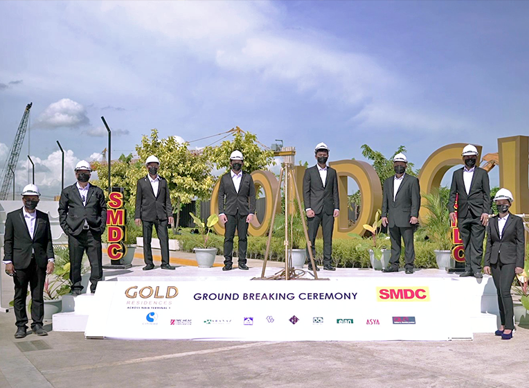 Gold-Residences-Groundbreaking.png